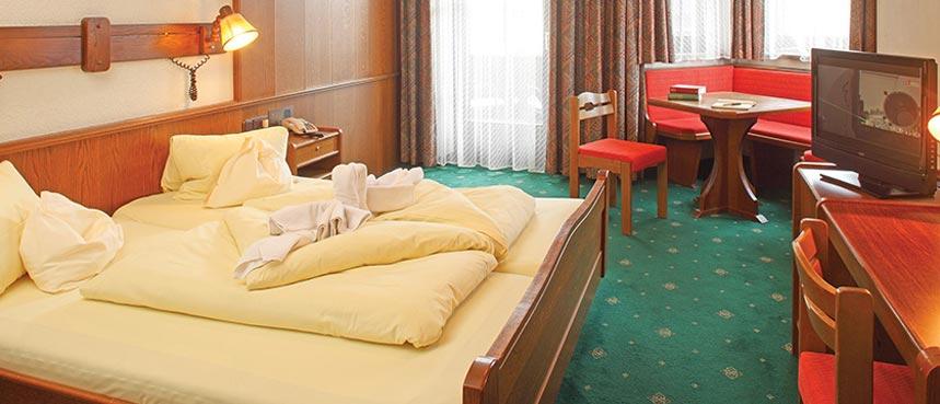 Hotel Alte Post, Ellmau, Austria - Bedroom.jpg